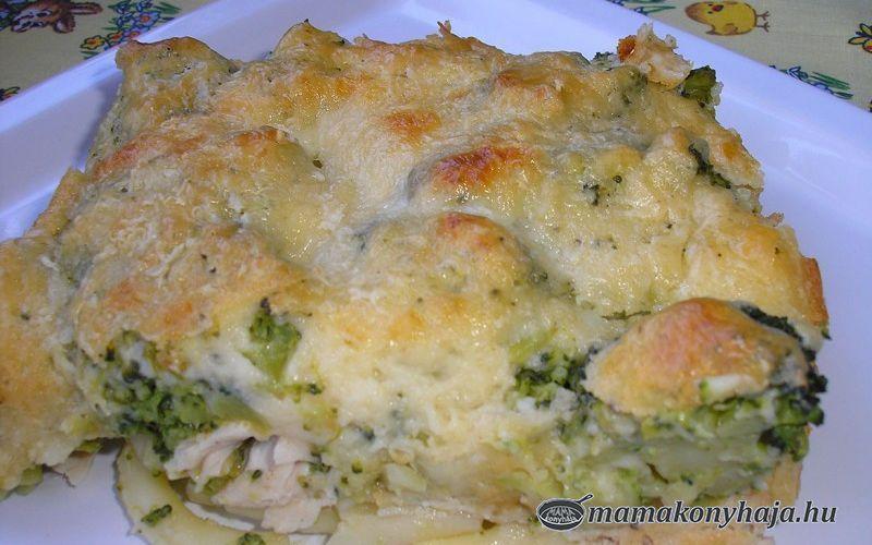 Csirkés-brokkolis rakott tészta